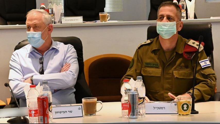 Coronavirus outbreak in the IDF sends 10,000 troops and chief of staff into quarantine