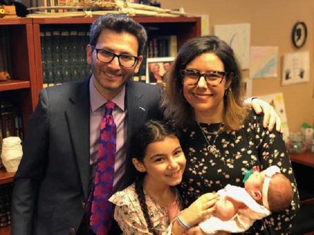Rabbi Josh Hearshen and Family -- Synagogue Website