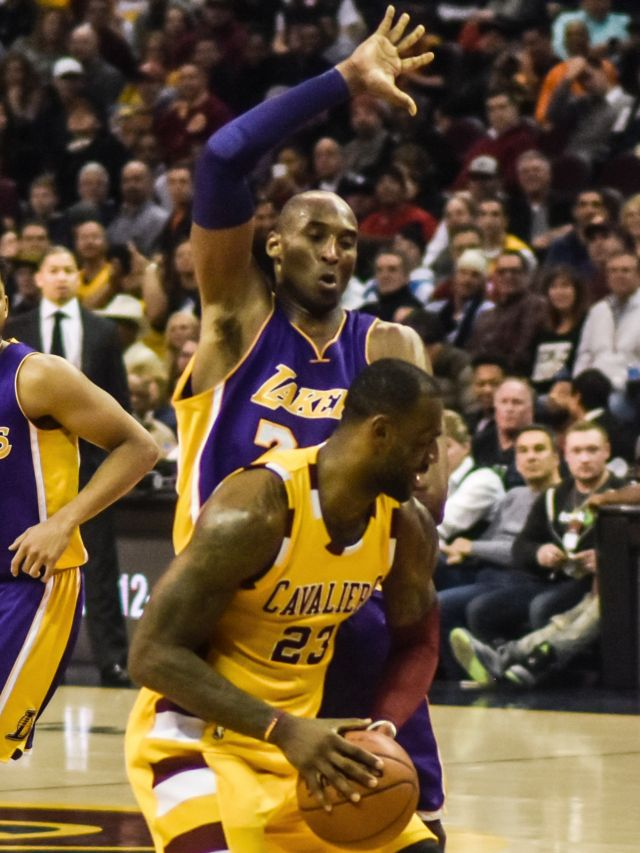 Kobe Bryant defending LeBron James in a February 2016 game between the Los Angeles Lakers and the Cleveland Cavaliers